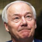 GOP Arkansas gov. regrets signing law banning mask mandates