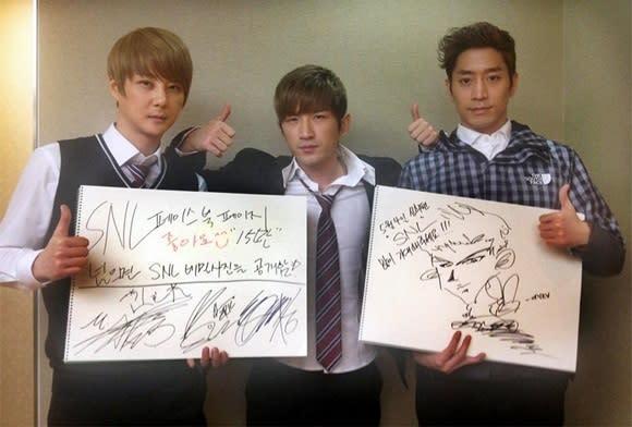 SHINHWA promotes SNL Korea 4