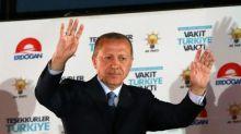 Erdogan celebra sua reeleição e seus novos poderes na Turquia