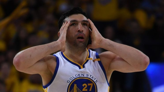 The Finals hats are a little too small for Zaza Pachulia's head