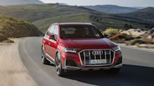 View Photos of the 2020 Audi Q7