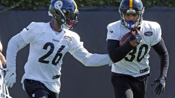 Steelers' Conner praises Bell: 'That's my guy'