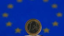 Forex, Euro scende dopo dati crescita zona euro, dollaro forte