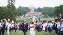 Trump jalea divisiones en EE.UU. en un acto en la Casa Blanca sin distanciamiento social