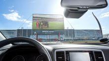 Carros, telões e 2 mil lugares: clube na Dinamarca cria primeiro 'estádio drive-in' do mundo