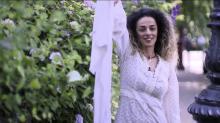 Die Angst vor dem Haar: Wie eine Frau die iranische Bewegung gegen den Hidschab-Zwang im Netz koordiniert