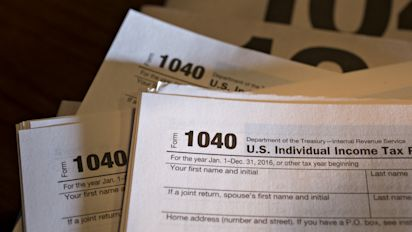 Taxpayers rush to claim deductions