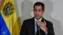 """Guaidó dice que militares pueden hacer menos traumático """"inevitable"""" cambio en Venezuela"""