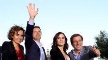 Casado pide a votantes que no hagan pagar al nuevo PP por corrupción pasada
