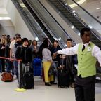 U.S. air safety agents absences hit record level; shutdown in day 31