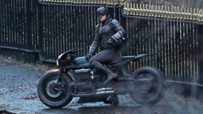 Batman debuts vintage-style Batcycle in new pics