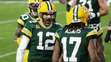 Packers lead Rams 19-10 at halftime