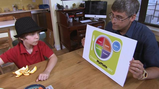 Mo Rocca serves up MyPlate