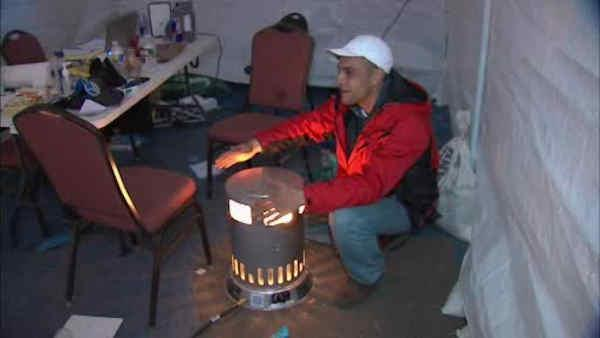 Cold temps have Sandy victims searching for warmth
