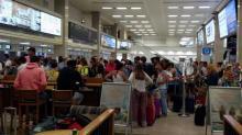 Una avería deja en tierra a un centenar pasajeros del vuelo Malta-Barcelona de Vueling