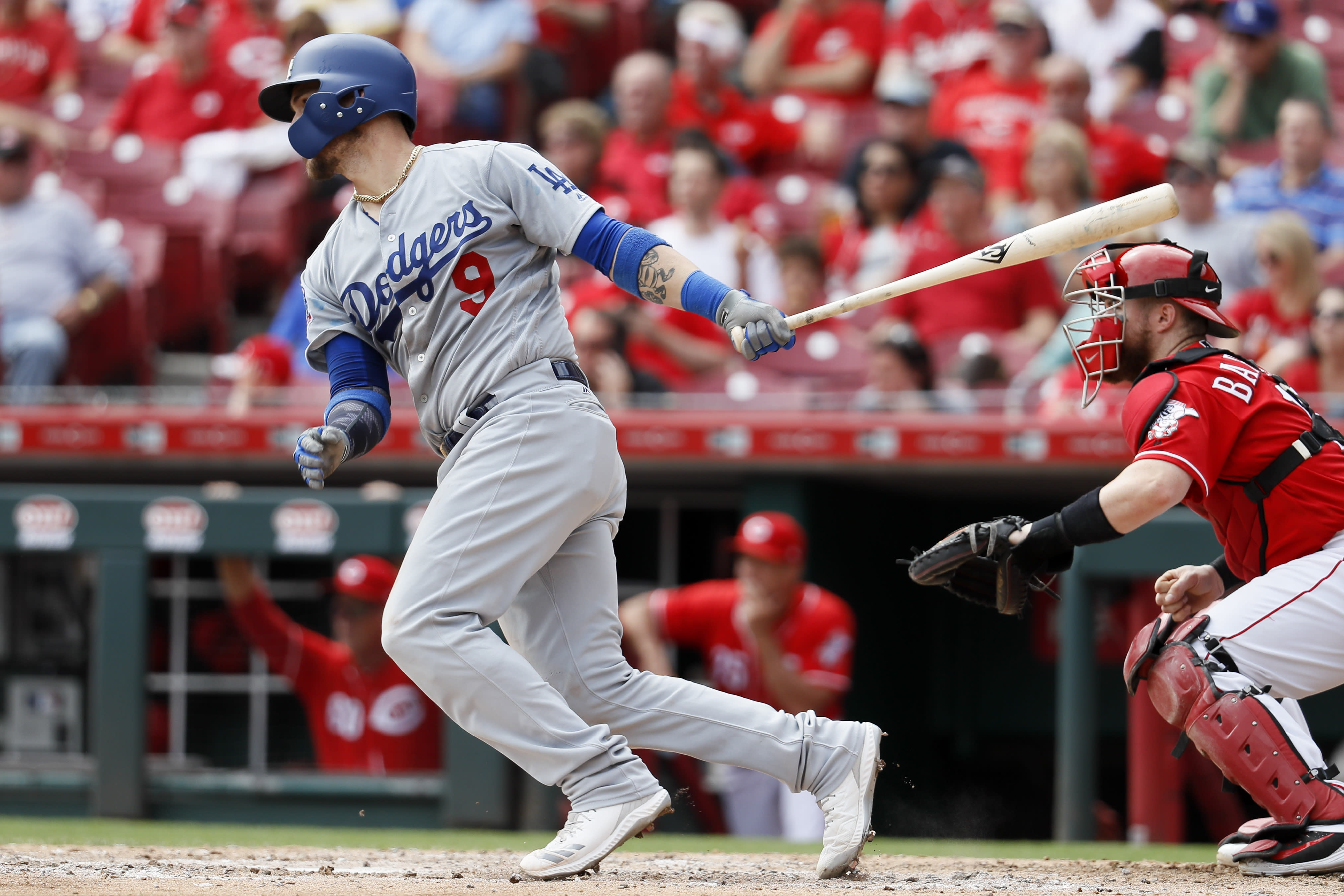 After passing up $60 million offer from the Mets, free agent catcher Yasmani Grandal signs one-year, $18.25 million deal with Brewers. (AP)