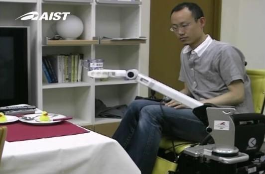 Lightweight robot arm connects to your wheelchair, stoops in your stead (video)