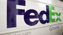 FedEx Falls to Support After Unexpected Guidance