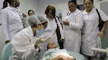 Brasil comenzará a remplazar a médicos cubanos