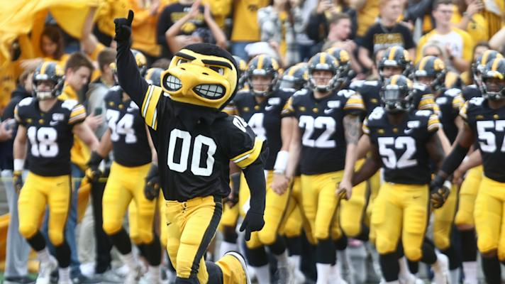 The Gold Rush: Will Iowa cover -2.5 against Minnesota?