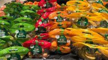 Frustration über unnötige Plastikverpackung im Supermarkt