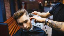Un simple corte de cabello terminó con un cliente herido y el peluquero arrestado