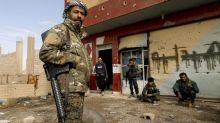 Atrincherado en su último reducto en Siria, EI utiliza escudos humanos