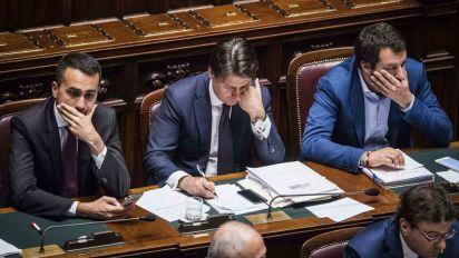 ## Salvini apre fronte rimpasto, Conte fa infuriare i leghisti