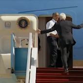 President Obama Hilariously Rushes Tardy Bill Clinton to Board Air Force One