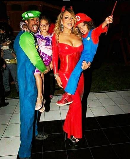 Celebrity Family Halloween Costumes 2016