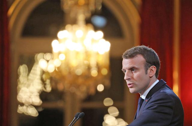 France considers new laws to fight fake news