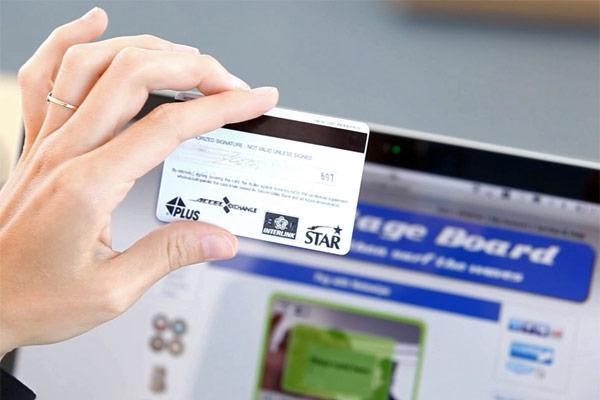Netswipe turns your webcam into a credit card reader, brings POS payments to the desktop