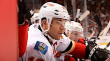Flames send Jarome Iginla's No. 12 to the rafters with touching jersey retirement