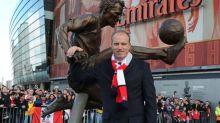 Bergkamp diz que Arsenal seria time ideal para voltar a ser técnico