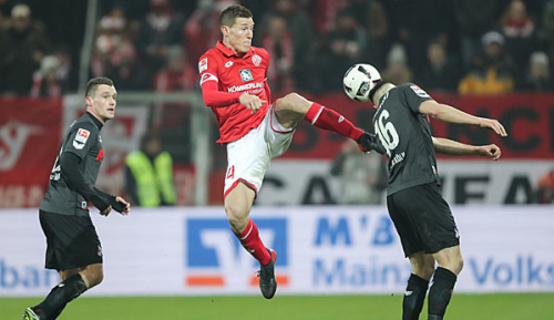 Bundesliga: Mainz verlängert mit Linksverteidiger Bussmann