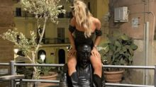 """Ragazza a cavalcioni su statua Camilleri: """"Non mi scuso"""""""