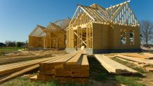 Builders' Confidence, Economic Growth Raise Hopes for Housing
