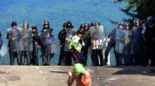 Venezuela opposition challenges govt dialogue plan