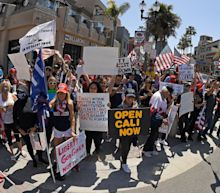 Fact check: Huntington Beach photos comparing coronavirus protest, BLM protest are real