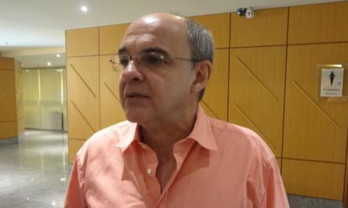 Bandeira garante Zé, diz que Palmeiras tem sido favorecido e ironiza Cuca: 'Tô com pena'