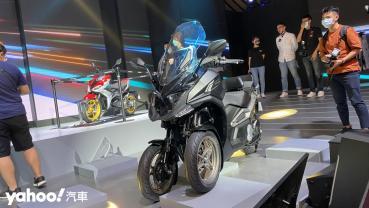 【新車圖輯】意想不到的移動面貌!Kymco RevoNEX、R9電動機車台灣首現,CV3預約2021年量產販售!