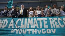 US temporarily stops youth climate lawsuit days before trial