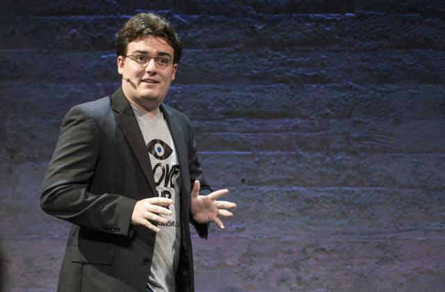 Oculus founder apologizes for how Rift pricing was handled