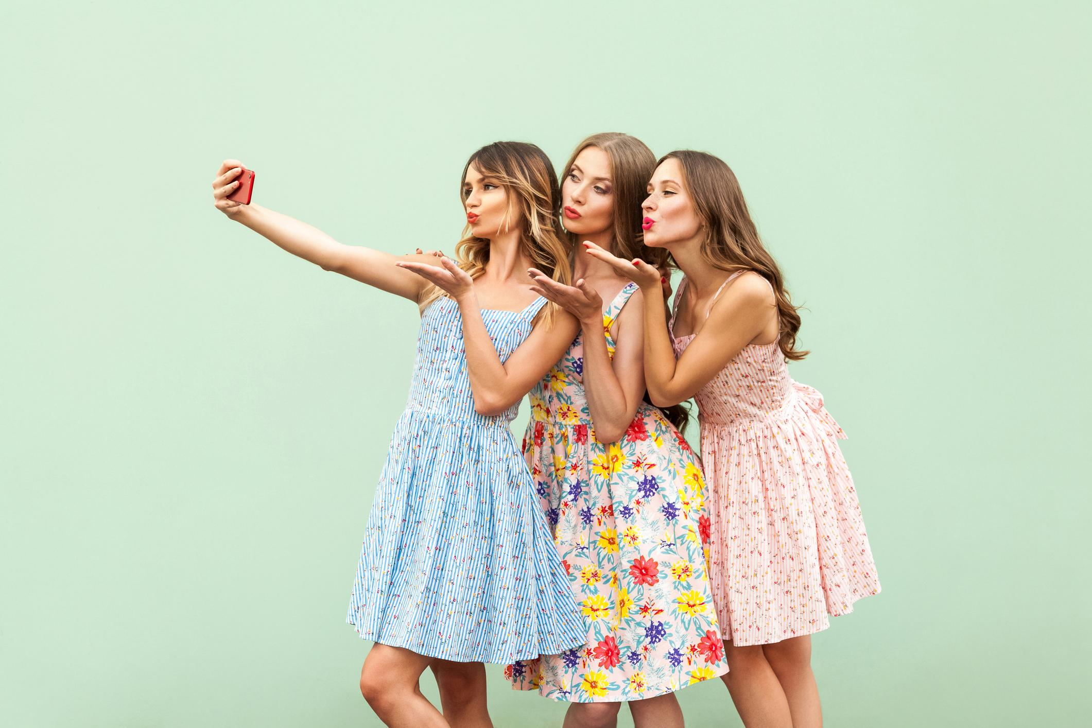 The point at which parents should worry about teen girls selfie-taking