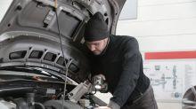 ¿Se enciende la luz de Check Engine en tu auto? Estos pueden ser los motivos