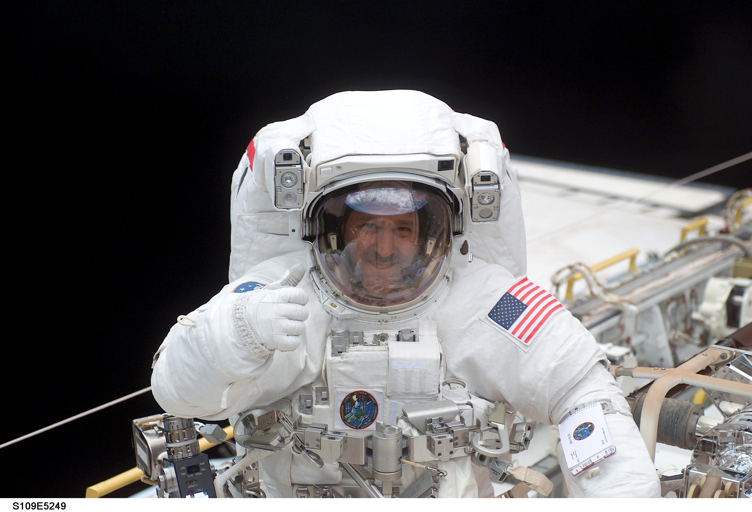 how to become a space scientist in nasa