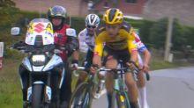 Cyclisme - T. des Flandres - Tour des Flandres: Julian Alaphilippe chute après avoir percuté une moto
