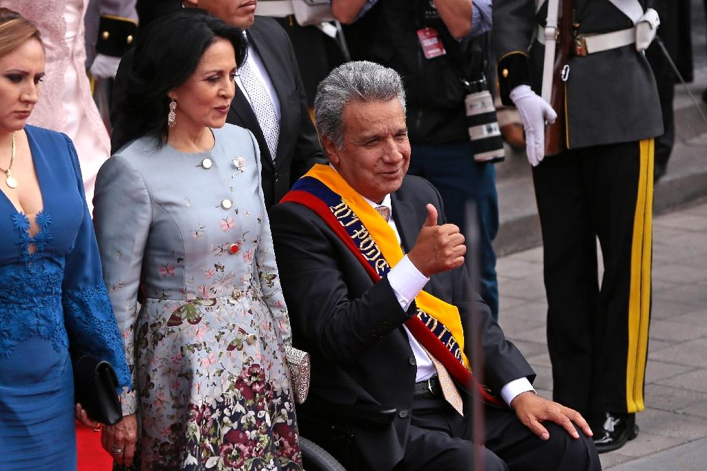 Ecuador's new President Lenin Moreno gives the thumbs-up after his inauguration ceremony in Quito (AFP Photo/JUAN CEVALLOS)
