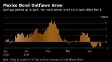 Mexican Peso's Rare April Rally May Herald Selloff Amid Warnings