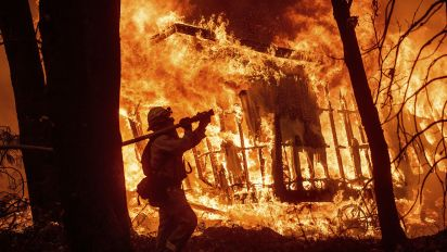 Calif. fire survivors face bleak Christmas in shelters
